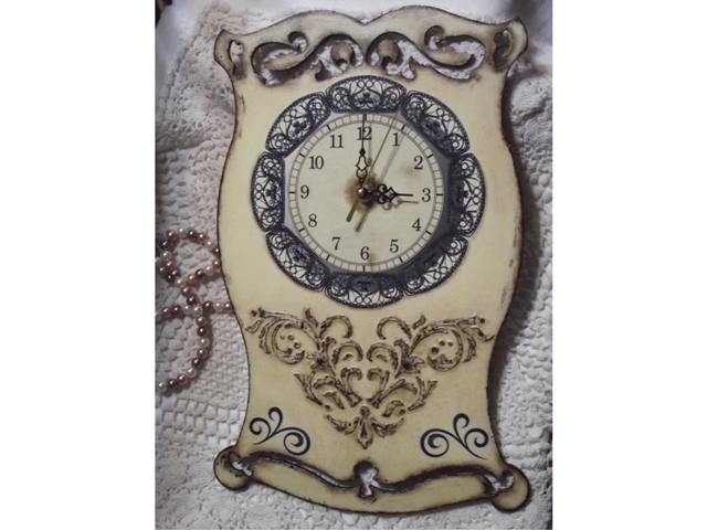 Часы объемный трафарет штукатурка