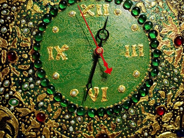 Трафарет в декупаже часы (3)